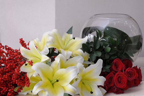 Hướng dẫn cắm hoa ly Đà Lạt dịp tết