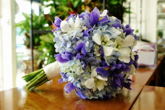 Cách chọn hoa ngày cưới theo cung hoàng đạo của cô dâu